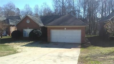 Charlotte Single Family Home For Sale: 7220 Brighton Brook Drive