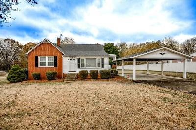 Statesville Single Family Home Under Contract-Show: 118 Martin Lane #43 &