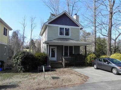 Single Family Home For Sale: 6 Lamar Avenue #1