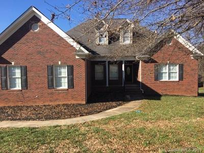 Mount Holly Single Family Home For Sale: 5223 Hickory Knoll Lane