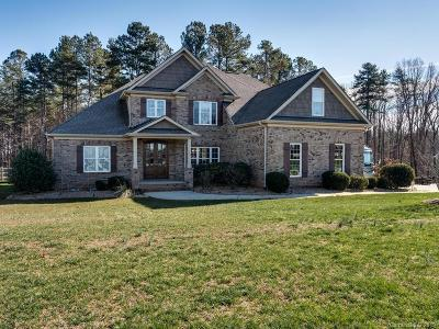 Mooresville Single Family Home For Sale: 136 Orchard Farm Lane