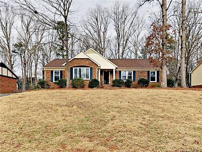 Charlotte Single Family Home For Sale: 7527 Riding Trail Road