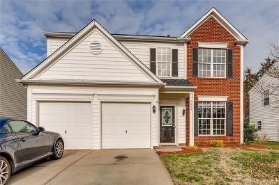 Charlotte Single Family Home For Sale: 5654 Bentgrass Run Drive
