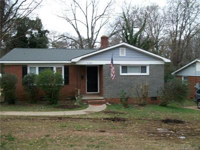 Charlotte Single Family Home For Sale: 2220 Kilborne Drive