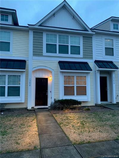 Charlotte Condo/Townhouse For Sale: 13454 Calloway Glen Drive