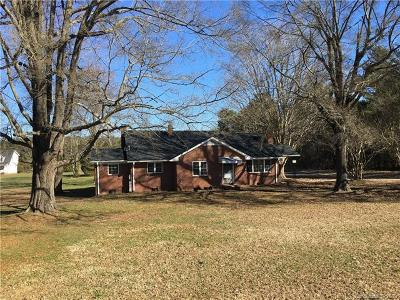 Bessemer City Single Family Home For Sale: 4050 Dallas Cherryville Highway