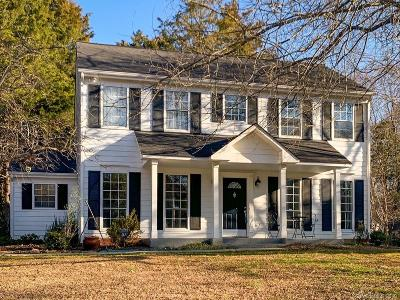 Single Family Home Under Contract-Show: 8510 Golf Ridge Drive
