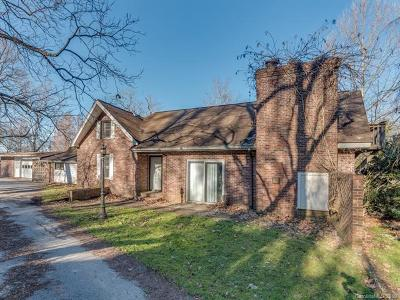 Henderson County Single Family Home For Sale: 873 S Rugby Road