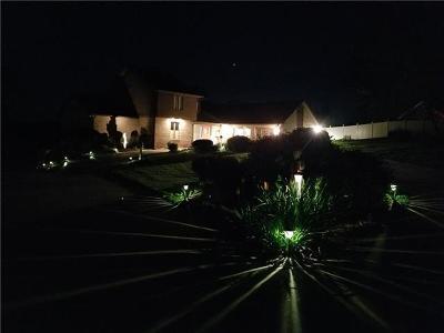 Hickory Single Family Home For Sale: 216 Charlotte Ann Lane