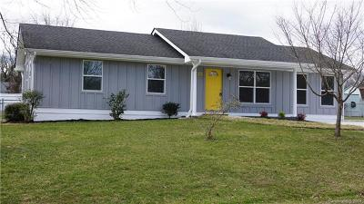 Henderson County Single Family Home For Sale: 22 W Silverleaf Drive