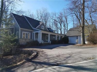 Hendersonville Single Family Home For Sale: 205 Bent Pine Trace