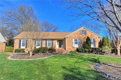 Charlotte Single Family Home For Sale: 6227 Gothic Court