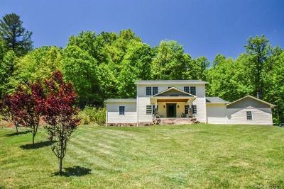 Single Family Home For Sale: 215 Ashwood Drive
