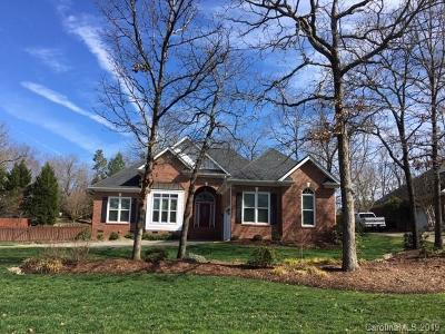 Matthews Single Family Home For Sale: 2003 Millbrook Lane