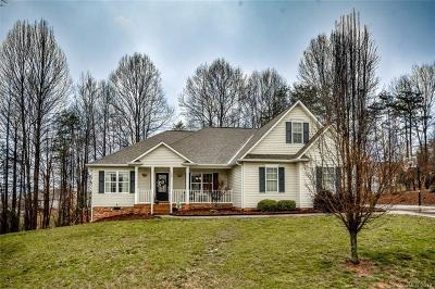 Statesville Single Family Home Under Contract-Show: 126 Sundance Circle