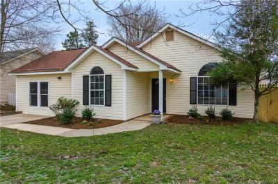 Matthews Single Family Home For Sale: 9617 Farmridge Lane