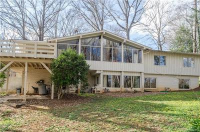 Charlotte Single Family Home For Sale: 6033 Bentway Drive