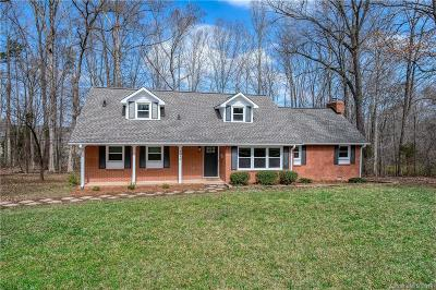Rock Hill Single Family Home Under Contract-Show: 4648 Oak Meadow Court