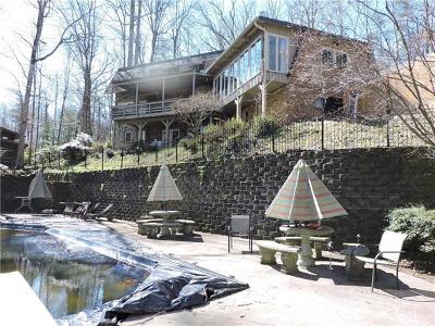 Lenoir Single Family Home For Sale: 911 Cherokee Place