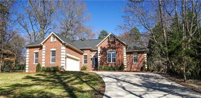 Single Family Home Under Contract-Show: 10409 Crestwood Drive