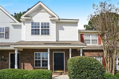 Charlotte Condo/Townhouse For Sale: 15415 Asterwind Court