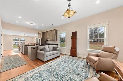 Hendersonville Single Family Home For Sale: 501 N Stanwood Lane