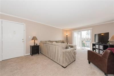 Condo/Townhouse Under Contract-Show: 4736 Hedgemore Drive #T