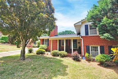 Charlotte Single Family Home For Sale: 5041 Wedgewood Drive