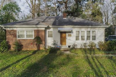 Charlotte Single Family Home For Sale: 1709 Merry Oaks Road