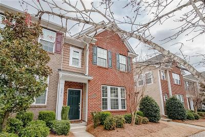 Cornelius Condo/Townhouse For Sale: 8276 Viewpoint Lane