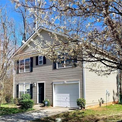 Single Family Home Under Contract-Show: 402 Bent Leaf Court