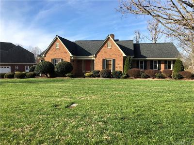 Single Family Home For Sale: 2221 Fairways Drive