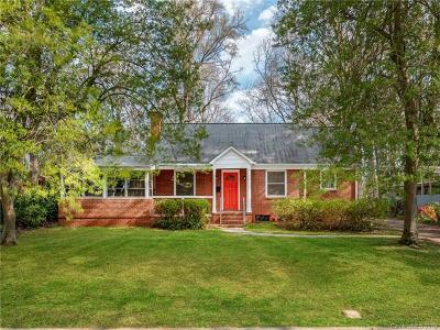 Single Family Home For Sale: 1521 Pinecrest Avenue