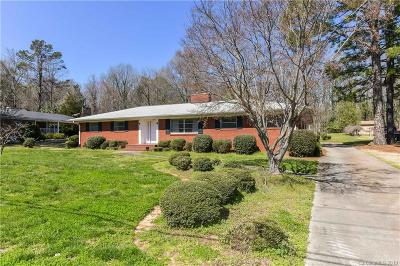 Charlotte Single Family Home For Sale: 7528 Linda Lake Drive