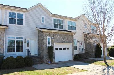 Condo/Townhouse Under Contract-Show: 1492 Mulberry Ridge Drive