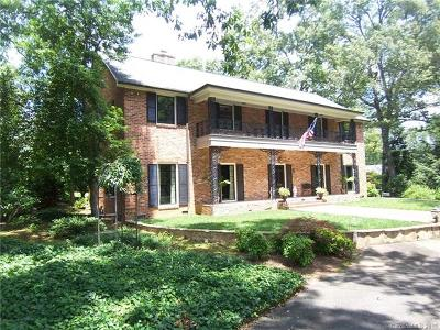 Shelby Single Family Home For Sale: 402 Fairway Drive