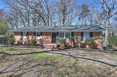 Matthews Single Family Home For Sale: 213 Forest Park Road