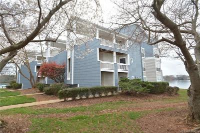 Davidson Condo/Townhouse For Sale: 913 Southwest Drive #13