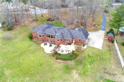 Single Family Home For Sale: 1375 Saddle Drive