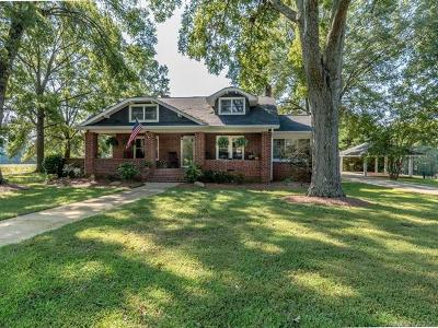 Cornelius Single Family Home For Sale: 11510 Smith Road