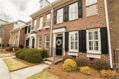 Summers Walk Condo/Townhouse Under Contract-Show: 15834 Sharon Dale Drive
