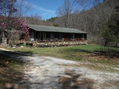 Transylvania County Single Family Home For Sale: 8914 Rosman Highway
