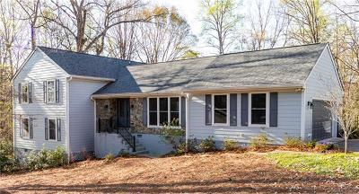 Single Family Home For Sale: 1711 Apple Tree Lane