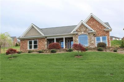 Caldwell County Single Family Home For Sale: 727 Chatsworth Circle SE