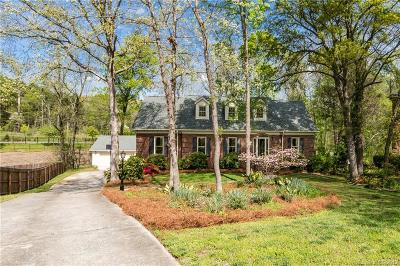 Charlotte Single Family Home For Sale: 4400 Pebble Pond Drive