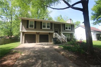 Charlotte Single Family Home For Sale: 6116 Crownfield Lane