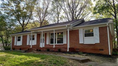 Charlotte Single Family Home Under Contract-Show: 6800 Elm Forest Drive