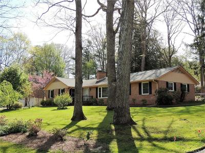 Henderson County Single Family Home For Sale: 1220 Everette Place