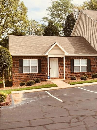 Catawba County Condo/Townhouse For Sale: 1096 22nd Street NE #306