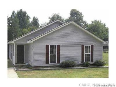 Charlotte NC Single Family Home For Sale: $129,000